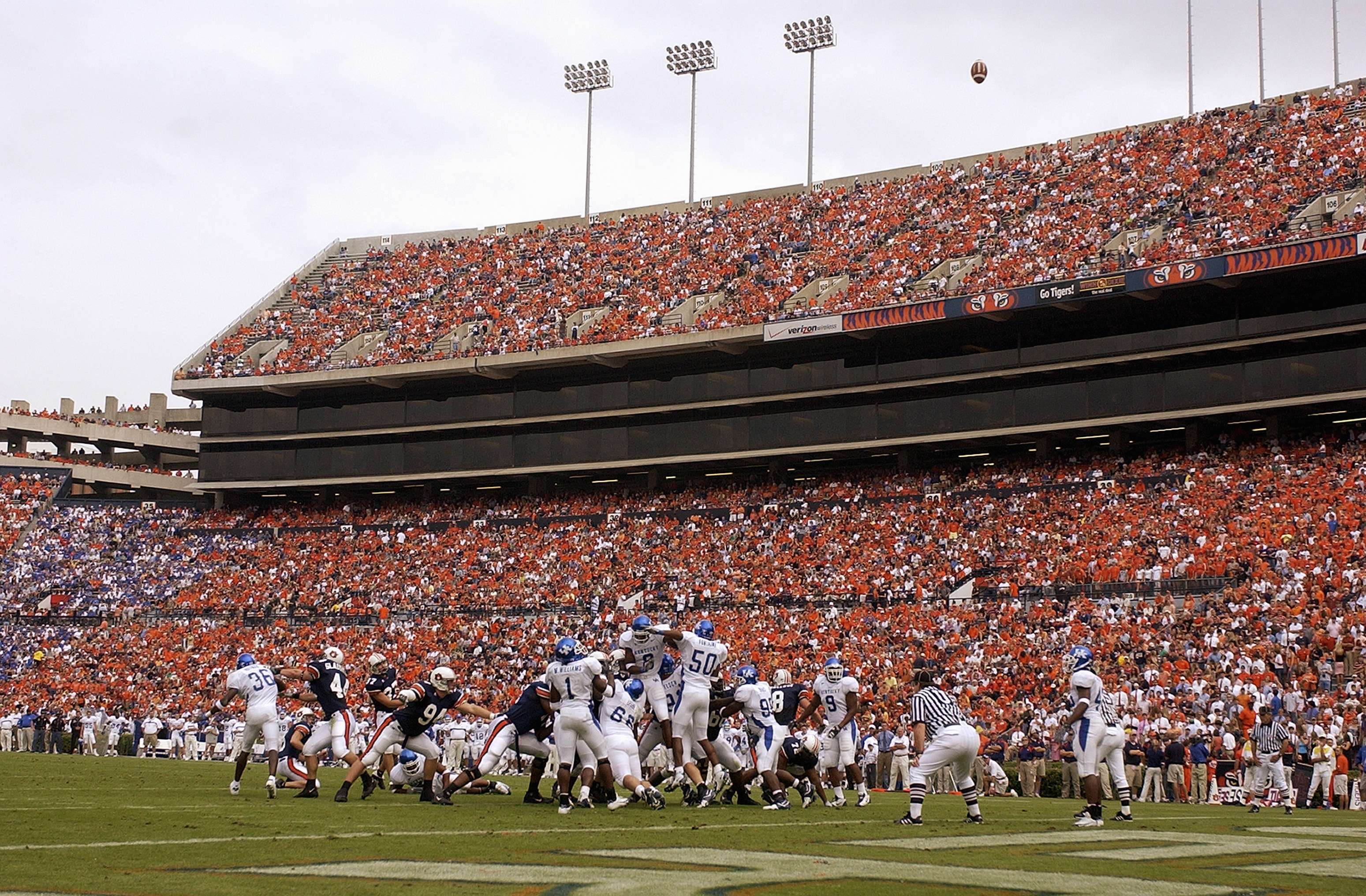 AUBURN, AL - OCTOBER 23:  General view of the game between the Auburn University Tigers and the University of Kentucky Wildcats on October 23, 2004 at Jordan-Hare stadium in Auburn, Alabama.  Auburn defeated Kentucky 41-10.  (Photo by Chris Graythen/Getty