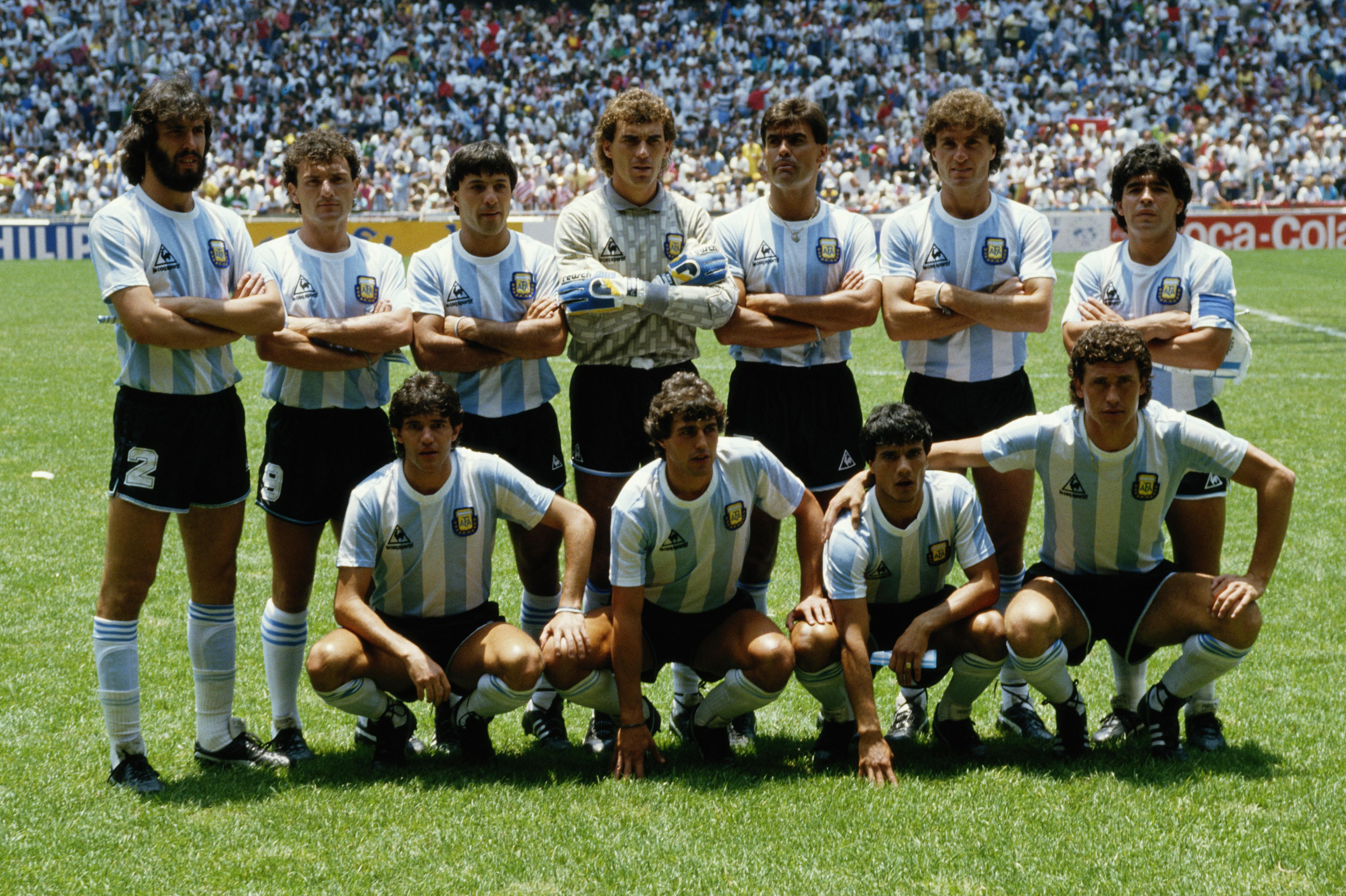 Nery PUMPIDO (GK), Sergio BATISTA, Jose BROWN, Jorge BURRUCHAGA, Jose CUCIUFFO, Diego MARADONA, Jorge VALDANO, Hector ENRIQUE, Ricardo GIUSTI, Julio OLARTICOECHEA, Oscar RUGGERI  of Argentina line up before the FIFA World Cup final on 29 June 1986 at the