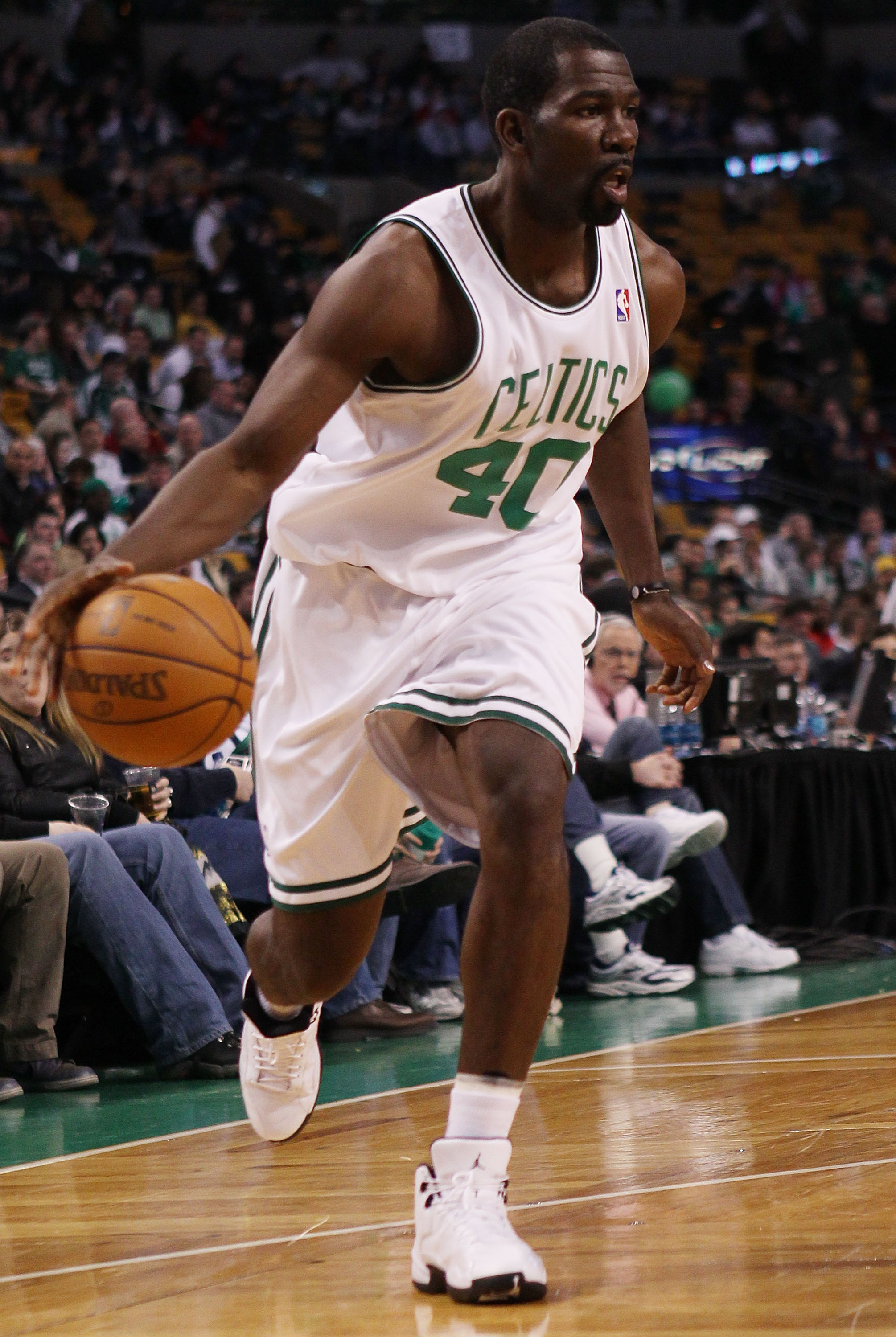 BOSTON - MARCH 10:  Michael Finley #40 of the Boston Celtics heads for the net in the second half against the Memphis Grizzlies on March 10, 2010 at the TD Garden in Boston, Massachusetts. The Grizzlies defeated the Celtics 111-91. NOTE TO USER: User expr