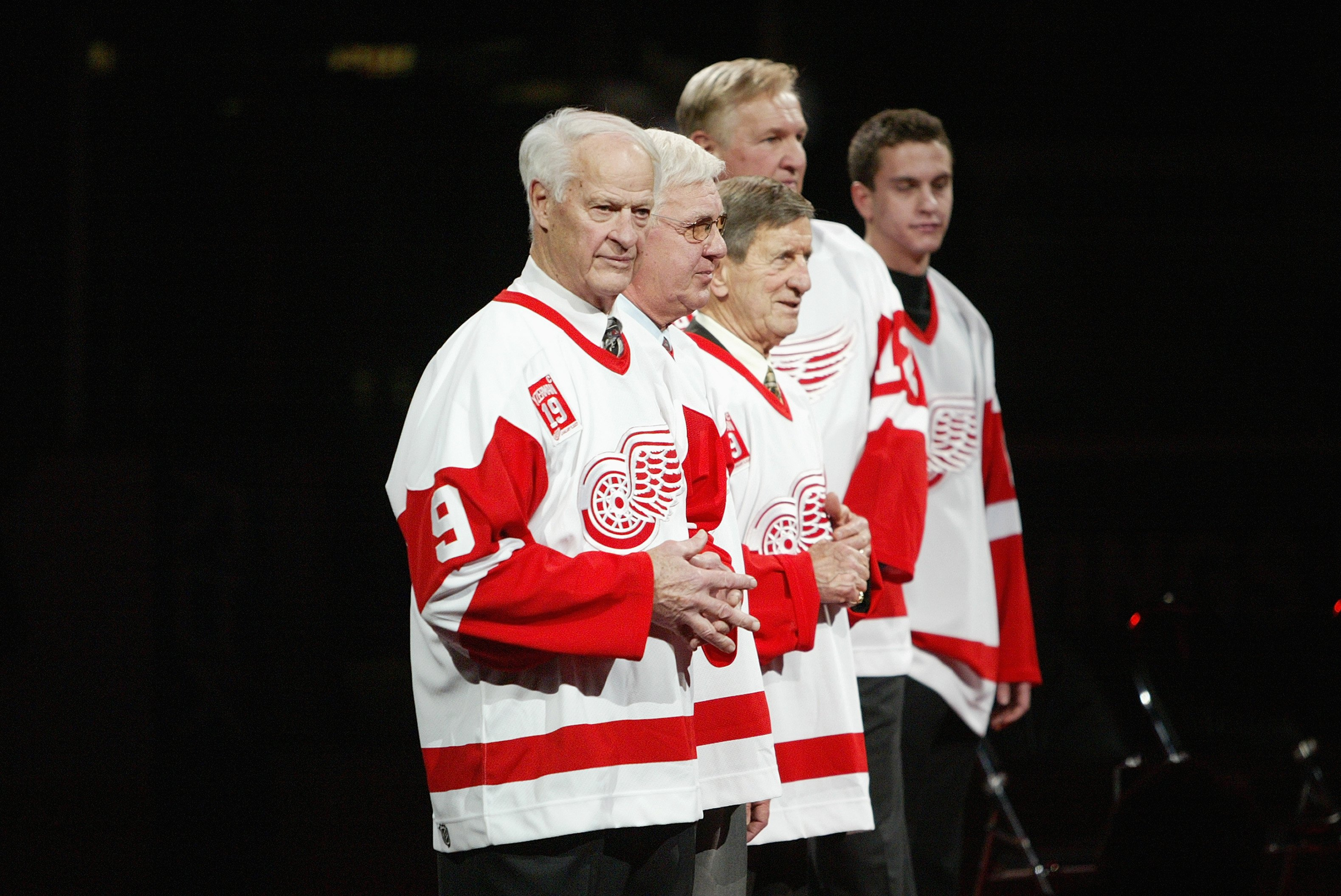DETROIT - JANUARY 2:  Gordie Howe stands on the ice at the jersey retirement ceremony for Steve Yzerman before the Detroit Red Wings game against the Anaheim Ducks at Joe Louis Arena on January 2, 2007 in Detroit, Michigan. The Red Wings won 2-1. (Photo b