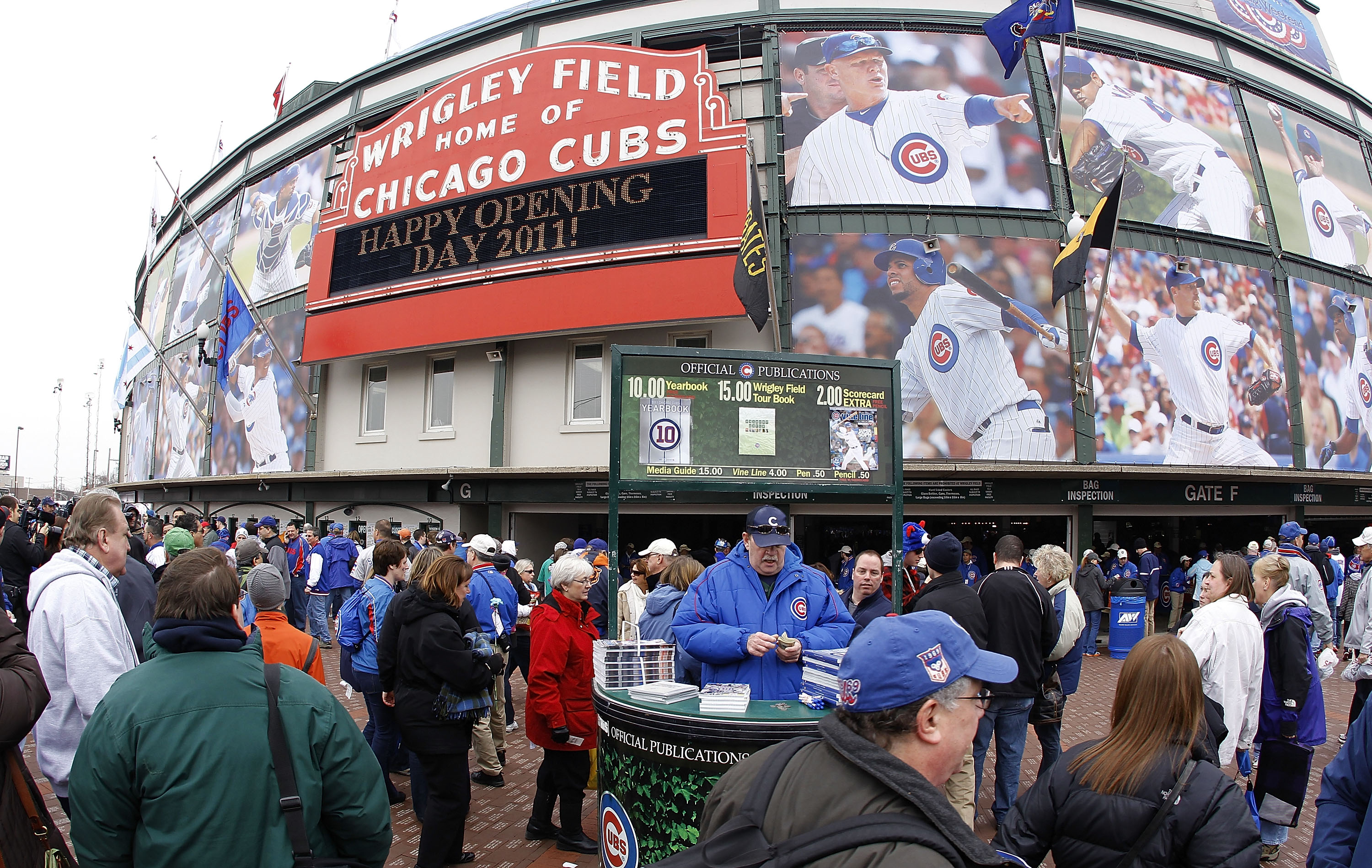 CHICAGO, IL - APRIL 01:  Fans head to the stadium prior to the Chicago Cubs playing the Pittsburgh Pirates on opening day at Wrigley Field on April 1, 2011 in Chicago, Illinois.  (Photo by Gregory Shamus/Getty Images)