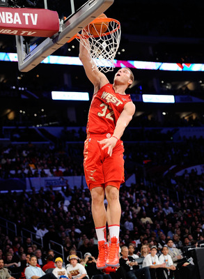 LOS ANGELES, CA - FEBRUARY 20:  Blake Griffin #32 of the Los Angeles Clippers and the Western Conference dunks the ball in the second half in the 2011 NBA All-Star Game at Staples Center on February 20, 2011 in Los Angeles, California. NOTE TO USER: User