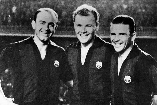 Laszlo Kubala is the man in the middle