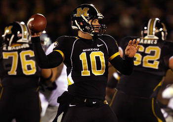 COLUMBIA, MO - NOVEMBER 08:  Quarterback Chase Daniel #10 of the Missouri Tigers during the game against the Kansas State Wildcat on November 8, 2008 at Memorial Stadium in Columbia, Missouri.  (Photo by Jamie Squire/Getty Images)