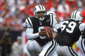 24 Sep 2000:  Ray Lucas #6 of the New York Jets drops back with the ball during the game against the Tampa Bay Buccaneers at the Raymond James Stadium in Tampa, Florida. The Jets defeated the Buccaneers 21-17.Mandatory Credit: Craig Jones  /Allsport