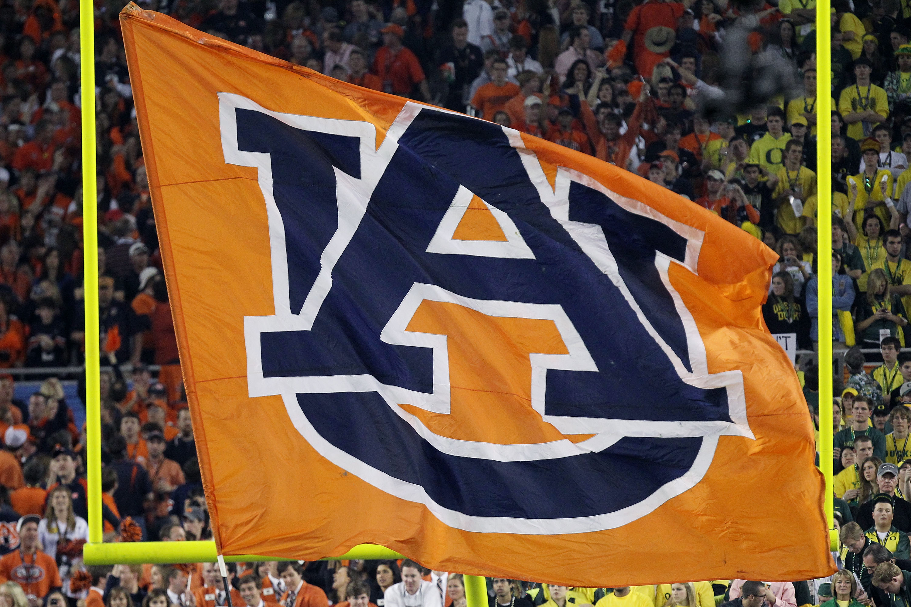 The quarterback job is up in the air for the Auburn Tigers heading into 2011.