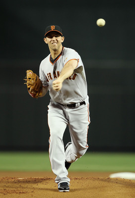 PHOENIX, AZ - APRIL 17:  Starting pitcher Madison Bumgarner #40 of the San Francisco Giants pitches against the Arizona Diamondbacks during the Major League Baseball game at Chase Field on April 17, 2011 in Phoenix, Arizona.  (Photo by Christian Petersen/