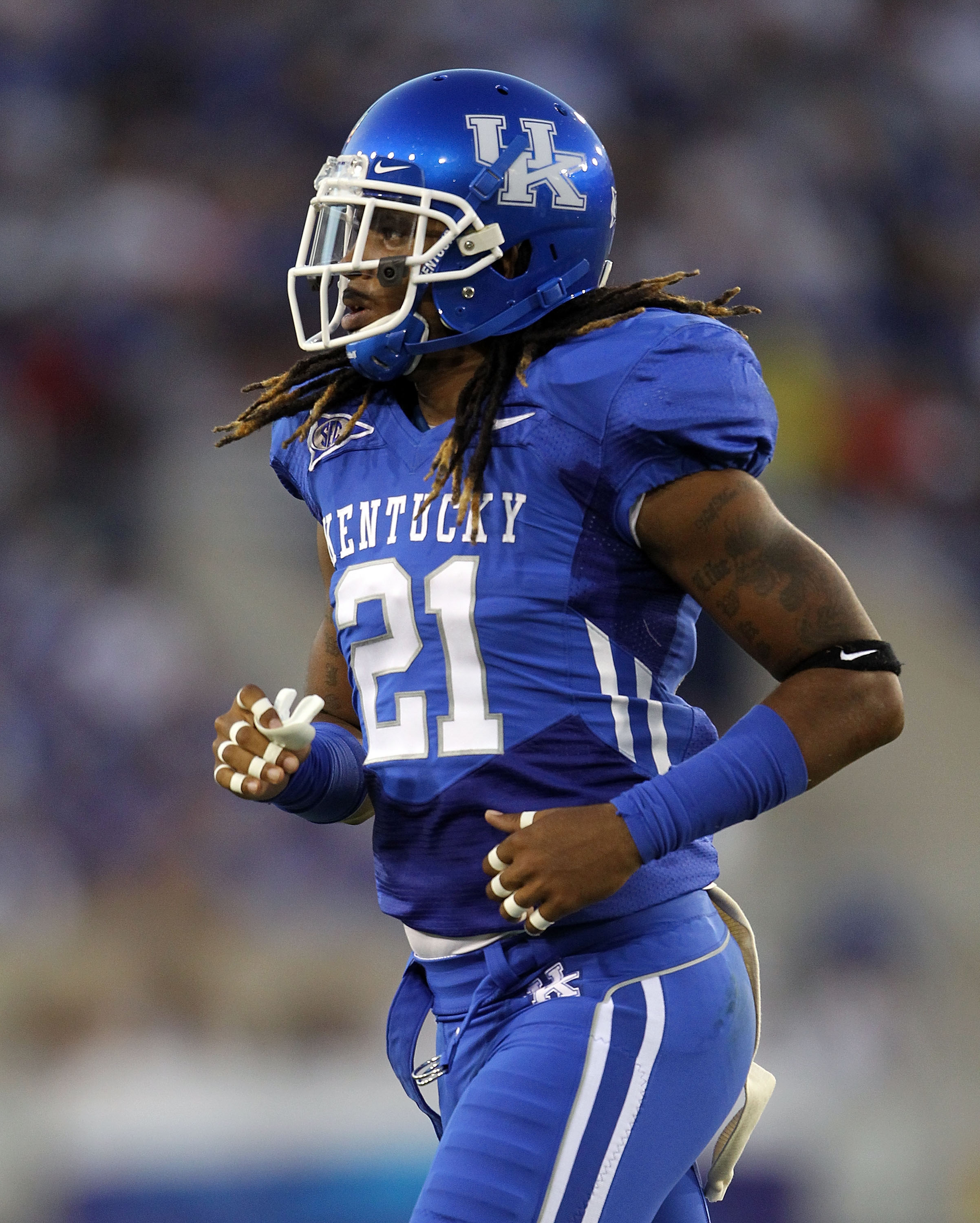 LEXINGTON, KY - SEPTEMBER 18:  Winston Guy #21 of the Kentucky Wildcats is pictured during the game against the Akron Zips at Commonwealth Stadium on September 18, 2010 in Lexington, Kentucky.  (Photo by Andy Lyons/Getty Images)