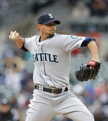 DETROIT - APRIL 28: David Pauley #39 of the Seattle Mariners pitches in the eighth inning during the game against the Detroit Tigers at Comerica Park on April 28, 2011 in Detroit, Michigan. The Mariners defeated the tigers 7-2.  (Photo by Leon Halip/Getty