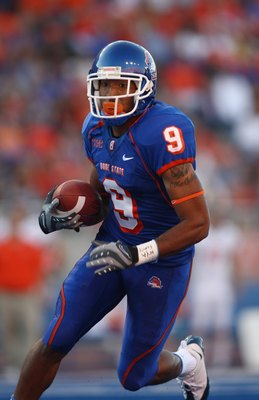 BOISE , ID - SEPTEMBER 13:  Jeremy Childs #9 of the Boise State Broncos runs with the ball against the Bowling Green Falcons at Bronco Stadium on September 13, 2008 in Boise, Idaho.  (Photo by Jonathan Ferrey/Getty Images)