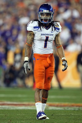 GLENDALE, AZ - JANUARY 04:  Kyle Wilson #1 of the Boise State Broncos looks on against the TCU Horned Frogs during the Tostitos Fiesta Bowl at the Universtity of Phoenix Stadium on January 4, 2010 in Glendale, Arizona.  (Photo by Jed Jacobsohn/Getty Image