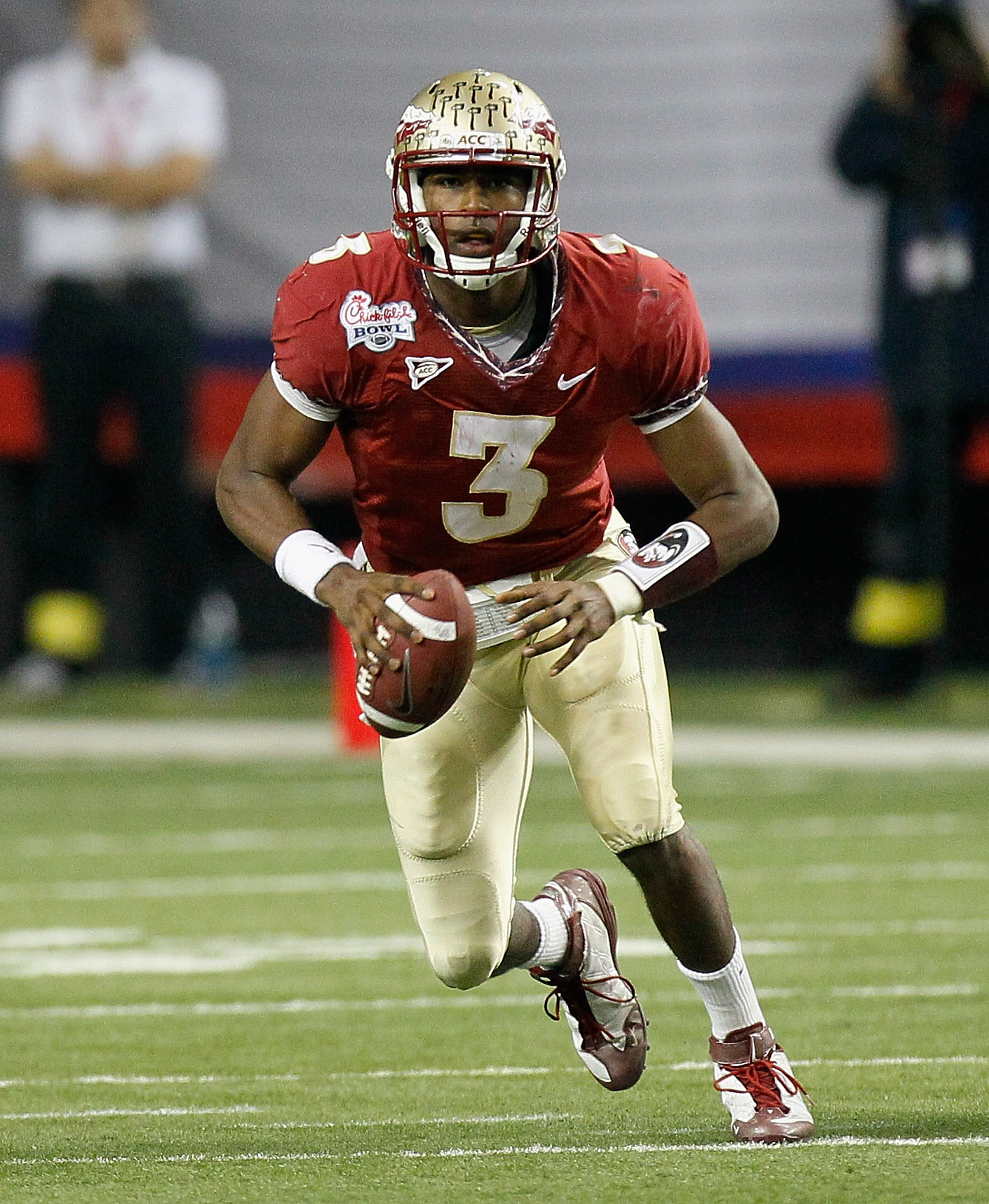 ATLANTA, GA - DECEMBER 31:  EJ Manuel #3 of the Florida State Seminoles against the South Carolina Gamecocks during the 2010 Chick-fil-A Bowl at Georgia Dome on December 31, 2010 in Atlanta, Georgia.  (Photo by Kevin C. Cox/Getty Images)