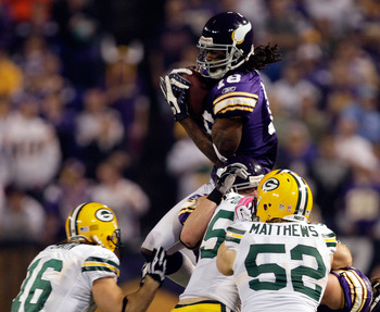 MINNEAPOLIS - OCTOBER 05:  Receiver Sidney Rice #18 of the Minnesota Vikings fields an on-side kick during the Monday Night Football game against the Green Bay Packers on October 5, 2009 at Hubert H. Humphrey Metrodome in Minneapolis, Minnesota.  (Photo b