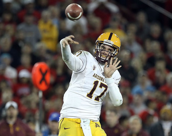 ASU's Osweiler delivering a bullet to one of his receivers.