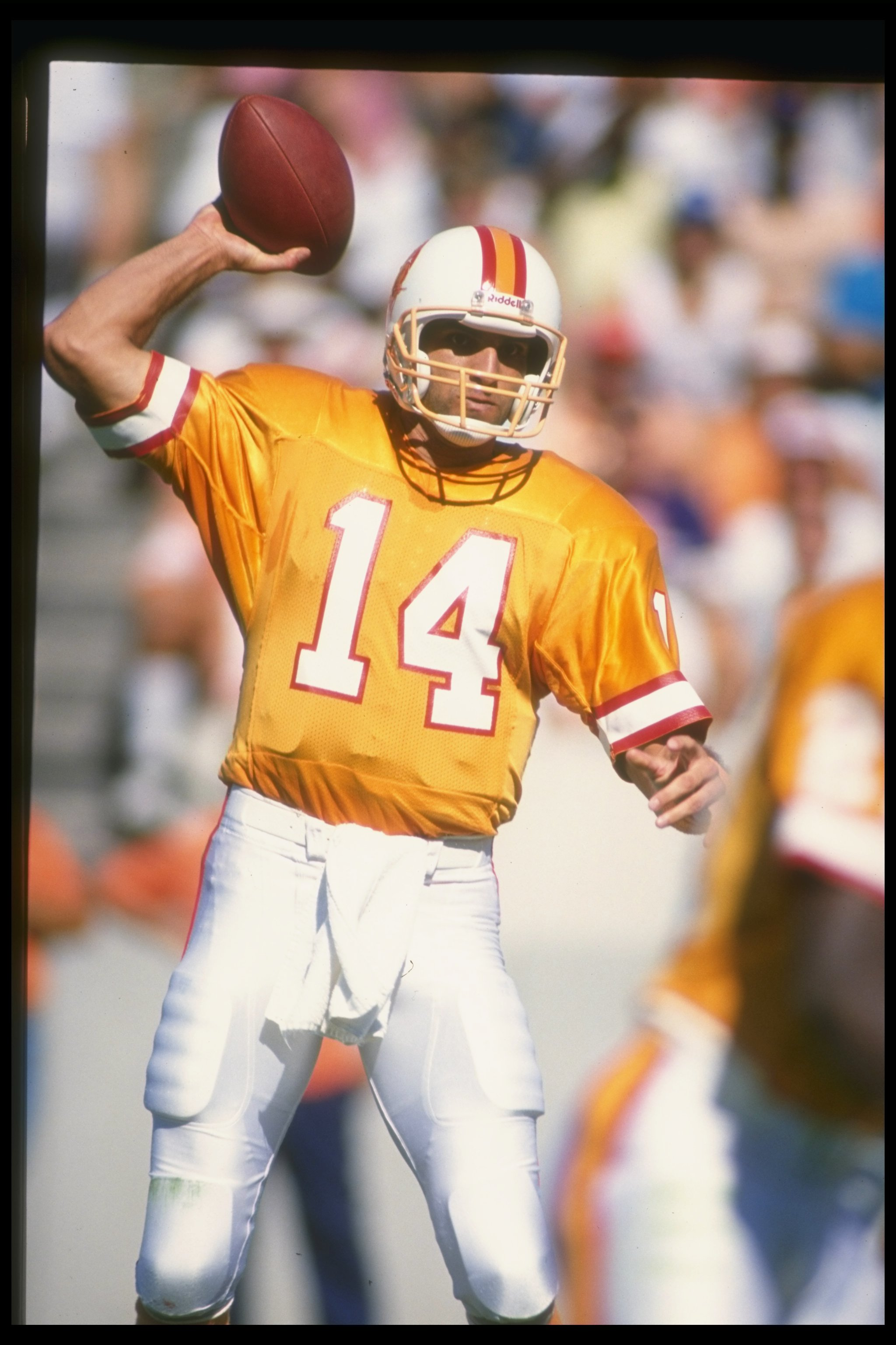 23 Oct 1988:  Quarterback Vinny Testaverde of the Tampa Bay Buccaneers prepares to pass the ball during a game against the Minnesota Vikings at Tampa Stadium in Tampa, Florida.  The Vikings won the game, 49-20. Mandatory Credit: Allen Dean Steele  /Allspo