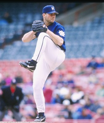 13 May 1997:  Pitcher Greg Hibbard of the Milwaukee Brewers throws a pitch during a game against the Seattle Mariners at County Stadium in Milwaukee, Wisconsin.  The Mariners won the game 2-1. Mandatory Credit: Matthew Stockman  /Allsport