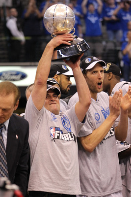 DALLAS, TX - MAY 25:  Owner Mark Cuban and the Dallas Mavericks celebrate their 100-96 victory against the Oklahoma City Thunder in Game Five of the Western Conference Finals during the 2011 NBA Playoffs at American Airlines Center on May 25, 2011 in Dall