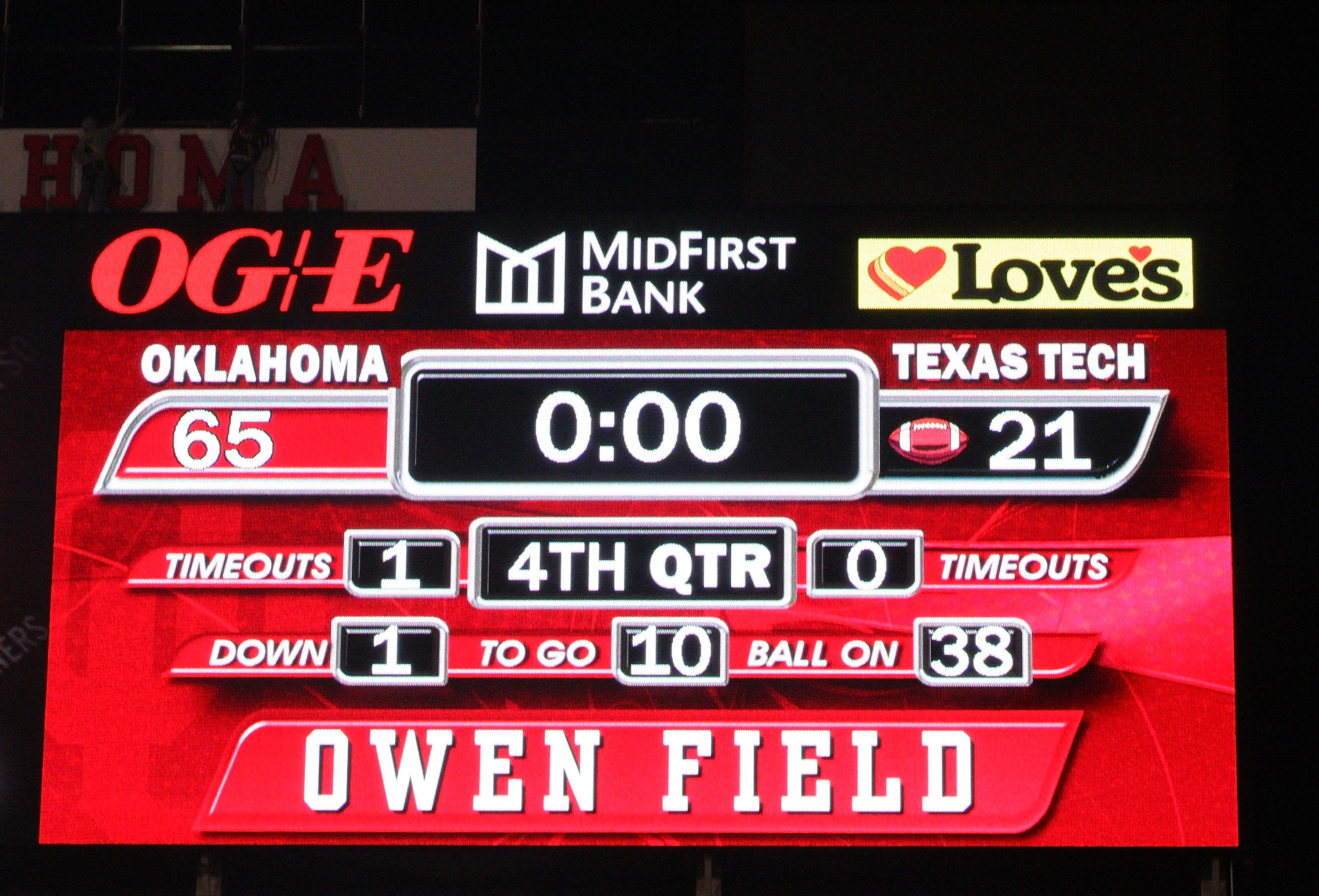 NORMAN, OK - NOVEMBER 22:  A general view of the scoreboard after the Oklahoma Sooners defeated the Texas Tech Red Raiders 65-21 at Memorial Stadium on November 22, 2008 in Norman, Oklahoma.  (Photo by Ronald Martinez/Getty Images)