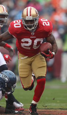 SAN FRANCISCO - DECEMBER 12:    Brian Westbrook #20 of the San Francisco 49ers runs against the Seattle Seahawks during an NFL game at Candlestick Park on December 12, 2010 in San Francisco, California.  (Photo by Jed Jacobsohn/Getty Images)