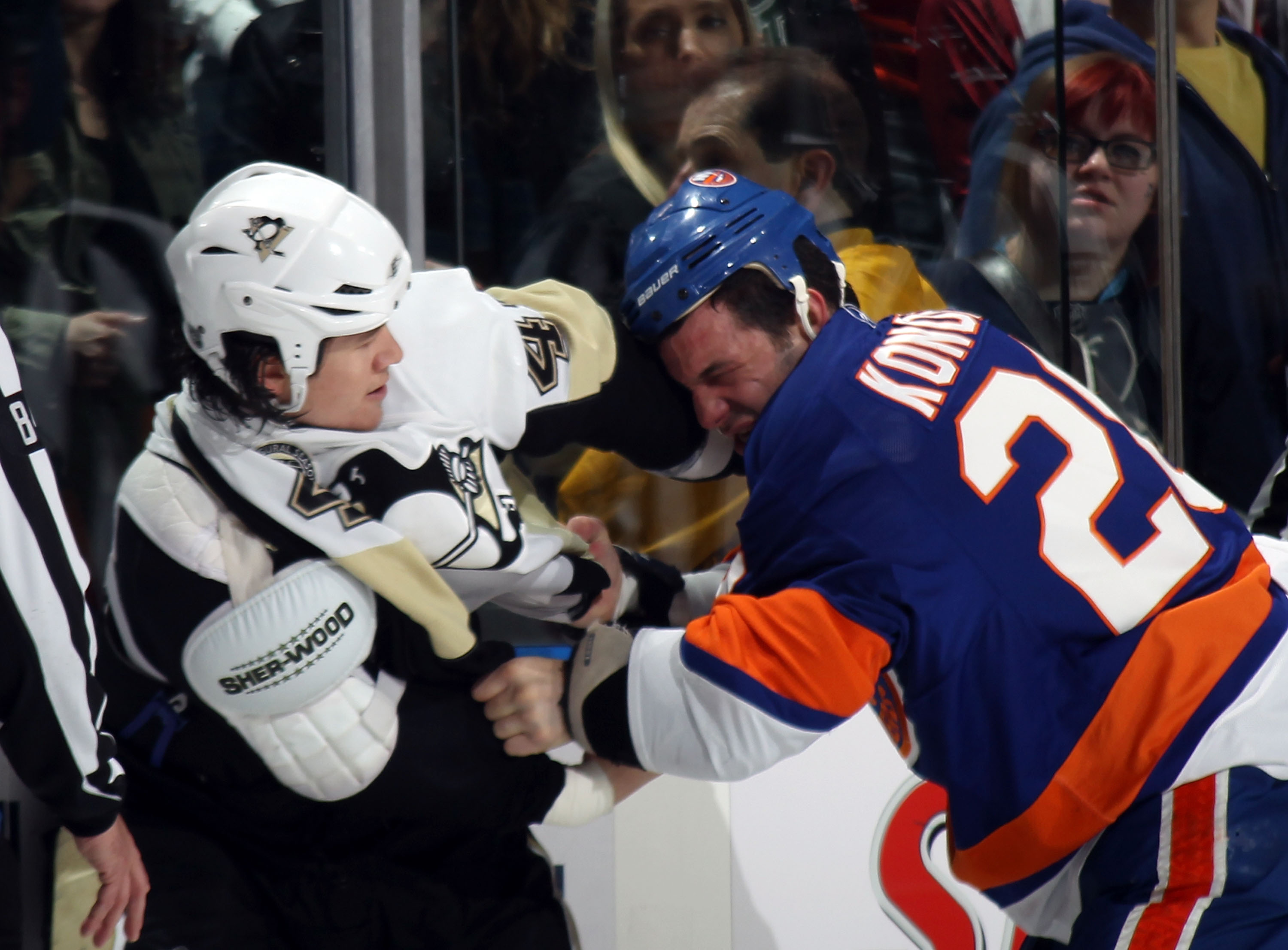 NHL Heavyweights  Top 50 Hockey Fights of All Time  3ae1c979e
