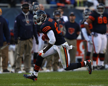 CHICAGO - NOVEMBER 14: Devin Hester #23 of the Chicago Bears returns a punt 47 yards against the Minnesota Vikings at Soldier Field on November 14, 2010 in Chicago, Illinois. The Bears defeated the Vikings 27-13. (Photo by Jonathan Daniel/Getty Images)