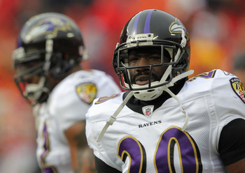 KANSAS CITY, MO - JANUARY 09:  Safety Ed Reed #20 of the Baltimore Ravens warms up prior to playing the Kansas City Chiefs in their 2011 AFC wild card playoff game at Arrowhead Stadium on January 9, 2011 in Kansas City, Missouri.  (Photo by Doug Pensinger