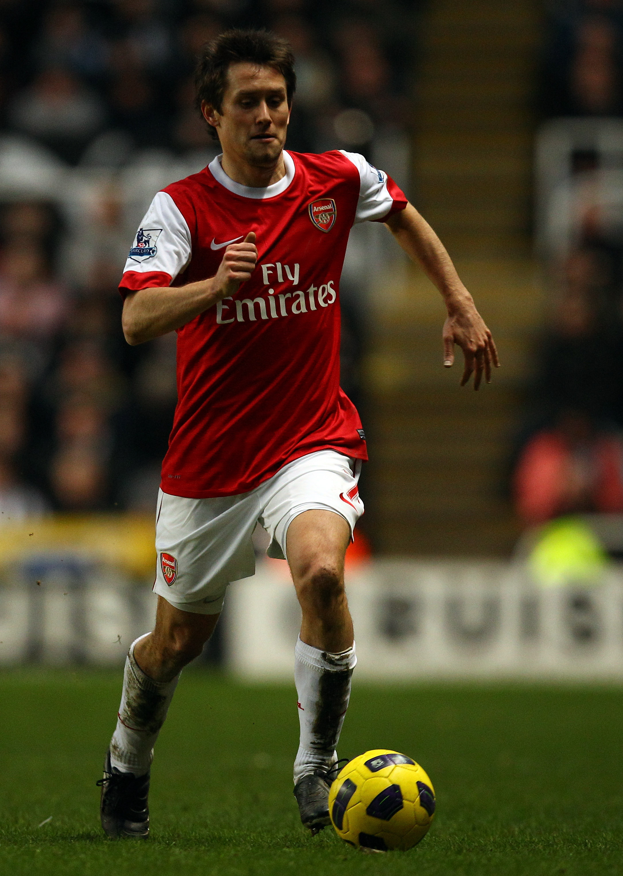 NEWCASTLE UPON TYNE, ENGLAND - FEBRUARY 05:  Tomas Rosicky of Arsenal in action during the Barclays Premier League match between Newcastle United and Arsenal at St James' Park on February 5, 2011 in Newcastle upon Tyne, England.  (Photo by Richard Heathco