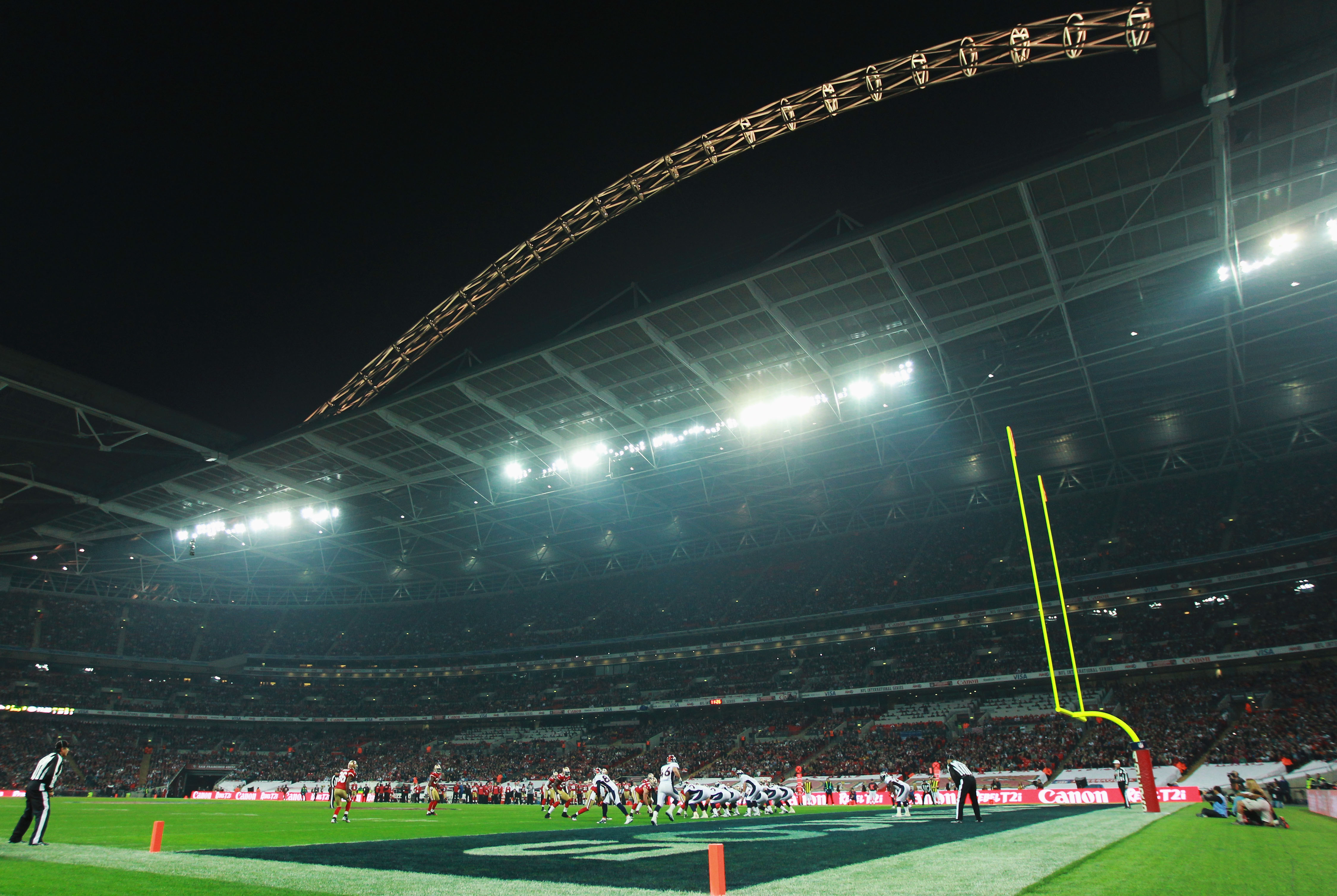 LONDON, ENGLAND - OCTOBER 31:  A general view during the NFL International Series match between Denver Broncos and San Francisco 49ers at Wembley Stadium on October 31, 2010 in London, England. This is the fourth occasion where a regular season NFL match