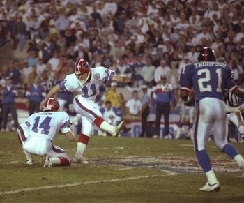 12 Jan 1991: Kicker Scott Norwood of the Buffalo Bills misses a 47-yard field goal wide right as time runs out to lose the game during Super Bowl XXV against the New York Giants at Tampa Stadium in Tampa, Florida. The Giants won the game, 20-19.