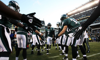 PHILADELPHIA, PA - JANUARY 09:  Michael Vick #7 of the Philadelphia Eagles takes the field before playing against the Green Bay Packers in the 2011 NFC wild card playoff game at Lincoln Financial Field on January 9, 2011 in Philadelphia, Pennsylvania.  (P