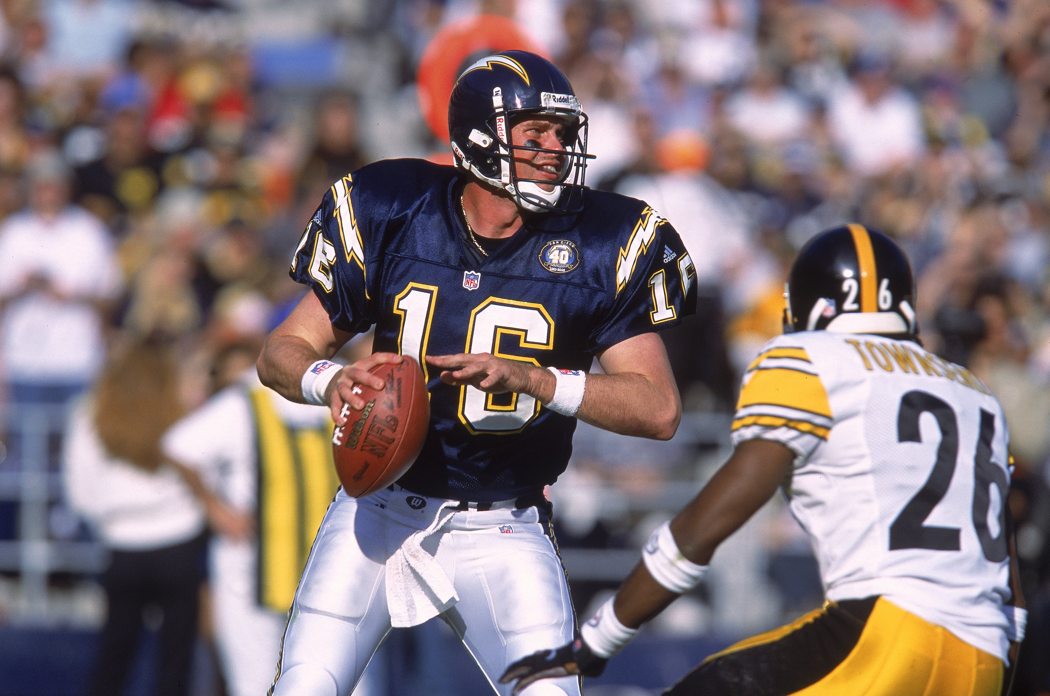 24 Dec 2000:  Quarterback Ryan Leaf #16 of the San Diego Chargers looks to pass the ball during the game against the Pittsburgh Steelers at Qualcomm Stadium in San Diego, California. The Steelers defeated the Chargers 34-21.Mandatory Credit: Stephen Dunn
