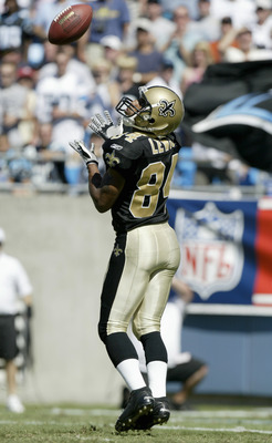 CHARLOTTE, NC - SEPTEMBER 11:  Michael Lewis #84 of the New Orleans Saints makes a catch during the game against the Carolina Panthers at Bank of America Stadium on September 11, 2005 in Charlotte, North Carolina. The Saints won 23-20. The Saints won 23-2