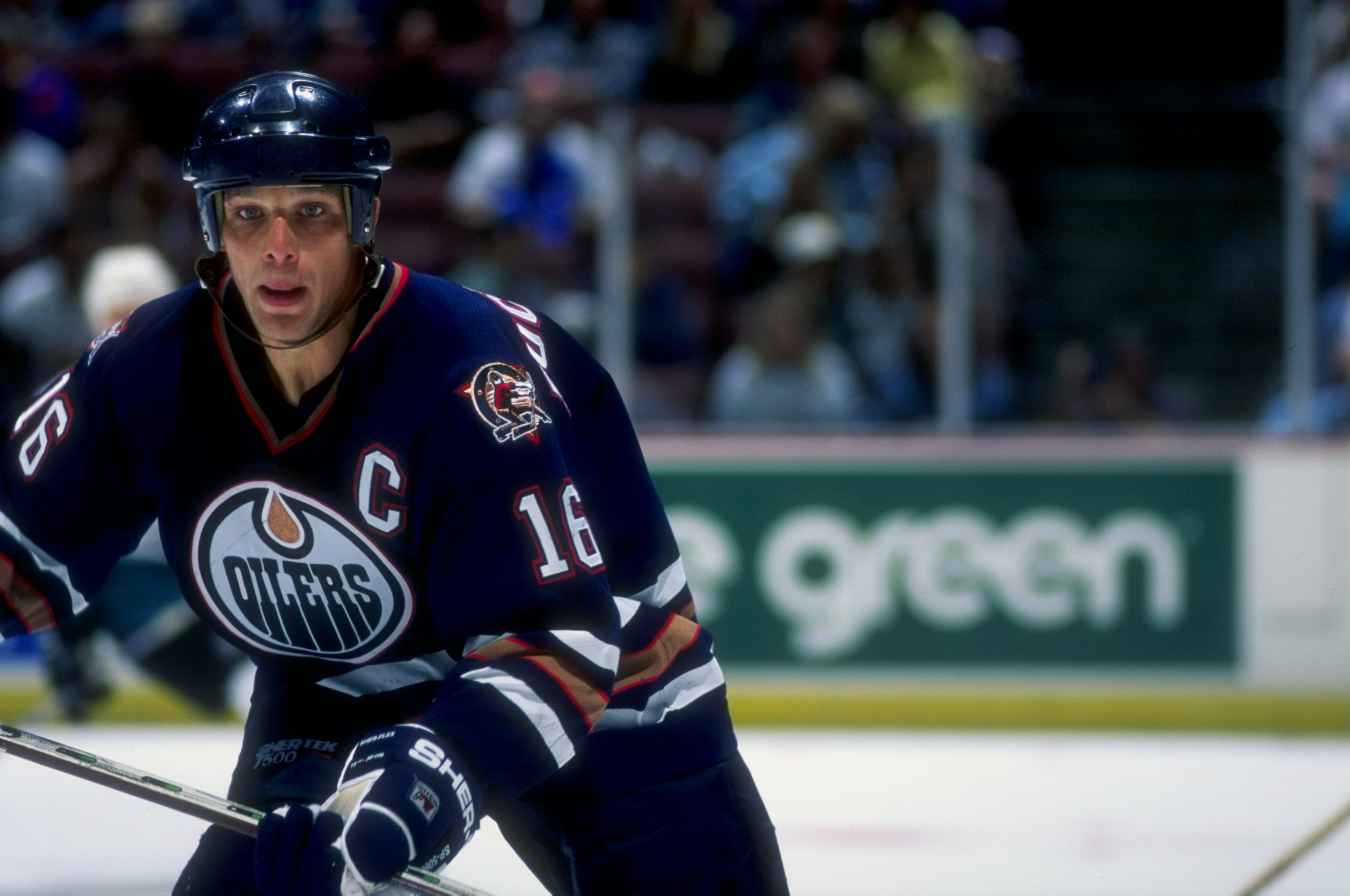 20 Sep 1997:  Leftwinger Kelly Buchberger of the Edmonton Oilers in action against the Anaheim Mighty Ducks during a game at Arrowhead Pond in Anaheim, California.  The game ended in a 5-5 tie in overtime. Mandatory Credit: Elsa Hasch  /Allsport