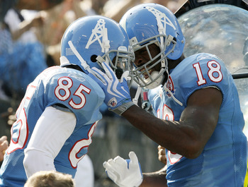 NASHVILLE, TN - NOVEMBER 15:  Nate Washington #85 of the Tennessee Titans celebrates with Kenny Britt  #18 after scoring a touchdown against the Buffalo Bills in their NFL game at LP Field on November 15, 2009 in Nashville, Tennessee.    (Photo by John So