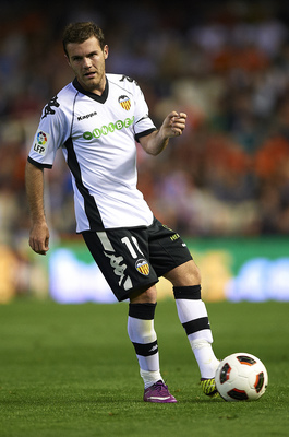 VALENCIA, SPAIN - APRIL 10:  Juan Mata of Valencia in action during the La Liga match between Valencia and Villarreal at Estadio Mestalla on April 10, 2011 in Valencia, Spain.  Valencia won 5-0.  (Photo by Manuel Queimadelos Alonso/Getty Images)