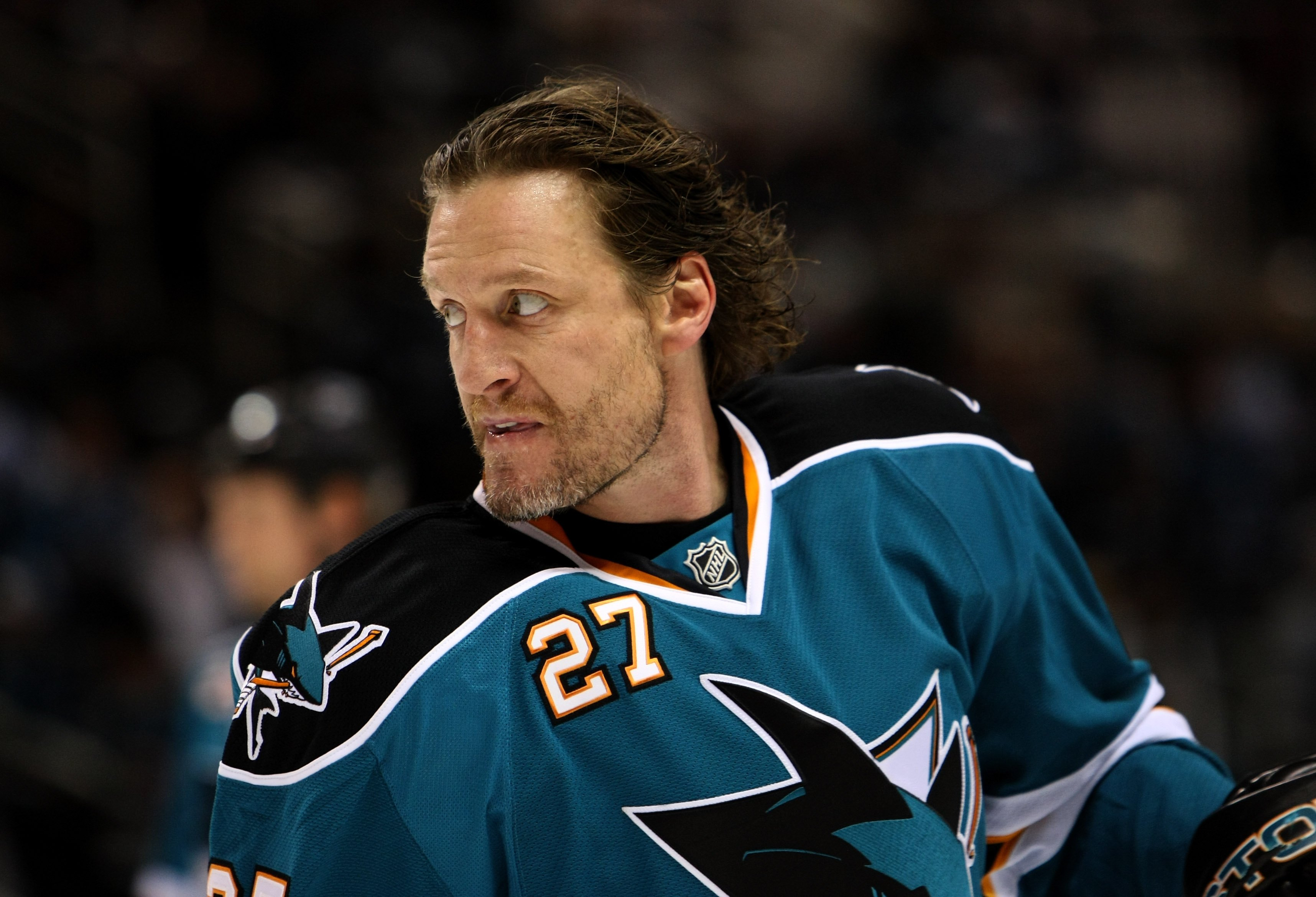 SAN JOSE, CA - APRIL 25:  Jeremy Roenick #27 of the San Jose Sharks warms up prior to playing the Anaheim Ducks during Game Five of the Western Conference Quarterfinal Round of the 2009 NHL Stanley Cup Playoffs at HP Pavilion on April 25, 2009 in San Jose