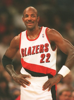 11 Jan 1995: FORWARD CLYDE DREXLER OF THE PORTLAND TRAILBLAZERS ON THE COURT DURING A 104-92 VICTORY OVER THE WARRIORS IN PORTLAND, OREGON.