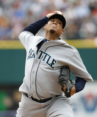 DETROIT - JUNE 12: Felix Hernandez #34 of the Seattle Mariners pitches in the first inning during the game against the Detroit Tigers at Comerica Park on June 12, 2011 in Detroit, Michigan.  (Photo by Leon Halip/Getty Images)