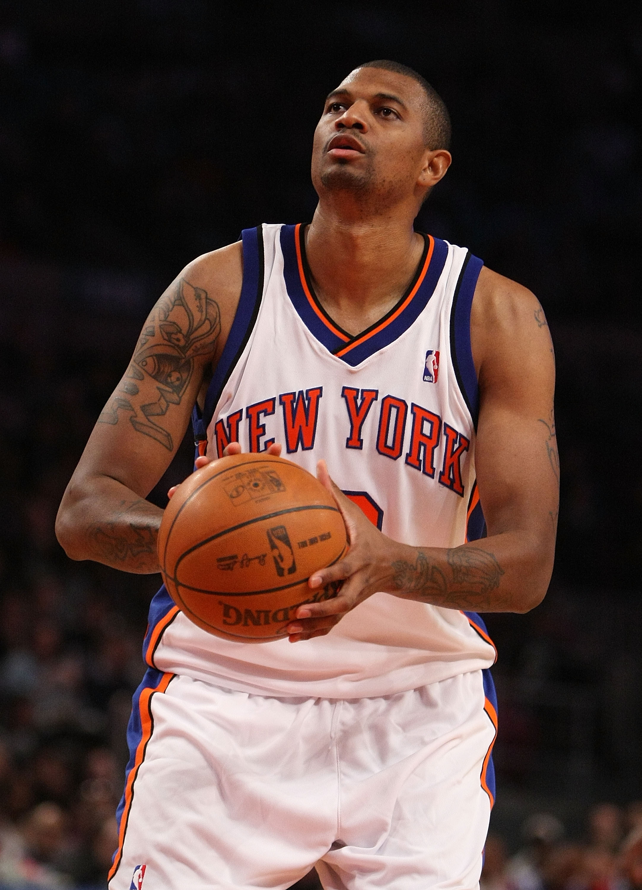 NEW YORK - DECEMBER 18: Jonathan Bender #9 of the New York Knicks shoots a free throw against the Los Angeles Clippers at Madison Square Garden on December 18, 2009 in New York City. NOTE TO USER: User expressly acknowledges and agrees that, by downloadin