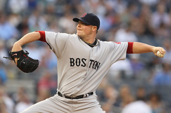 NEW YORK, NY - JUNE 07:  Jon Lester #31 of the Boston Red Sox pitches against the New York Yankees during their game on June 7, 2011 at Yankee Stadium in the Bronx borough of New York City.  (Photo by Al Bello/Getty Images)