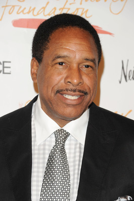 NEW YORK - MAY 03:  Former MLB player Dave Winfield attends the New York Gala benefiting The Steve Harvey Foundation at Cipriani, Wall Street on May 3, 2010 in New York City.  (Photo by Andrew H. Walker/Getty Images for The Steve Harvey Foundation)