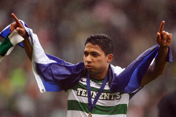 GLASGOW, SCOTLAND - MAY 21:  Emilio Izaguirre of Celtic celebrates after winning the Scottish Cup Final between Celtic and Motherwell at Hampden Park on May 21, 2011 in Glasgow, Scotland.  (Photo by Bryn Lennon/Getty Images)