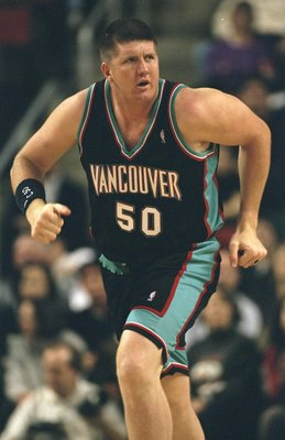 30 Jan 1999: Bryant Reeves #50 of the Vancover Grizzlies runs down the court during the game against the Seattle Supersonics at the Key Arena in Seattle, Washington. The Sonics defeated the Grizzlies 80-68. Mandatory Credit: Otto Greule Jr.  /Allsport