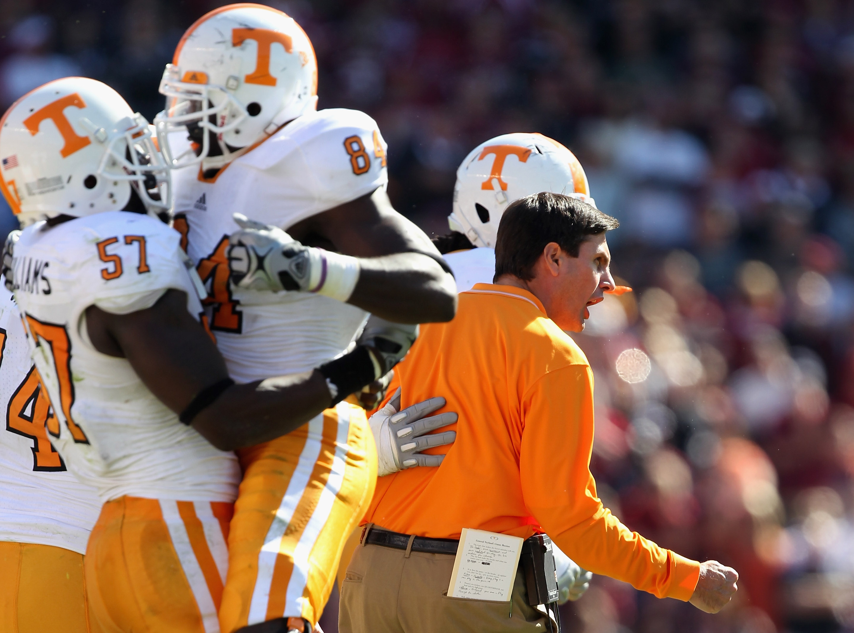 5949c333c College Football: 7 Teams That Are More Popular Than Their NFL Counterparts