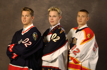 TORONTO, CANADA - JUNE 22:  (L-R) Number one overall pick Rick Nash selected by the Columbus Blue Jackets, number two overall pick Kari Lehtonen, selected by the Atlanta Thrashers and number three overall pick Jay Bouwmeester, selected by the Florida Pant