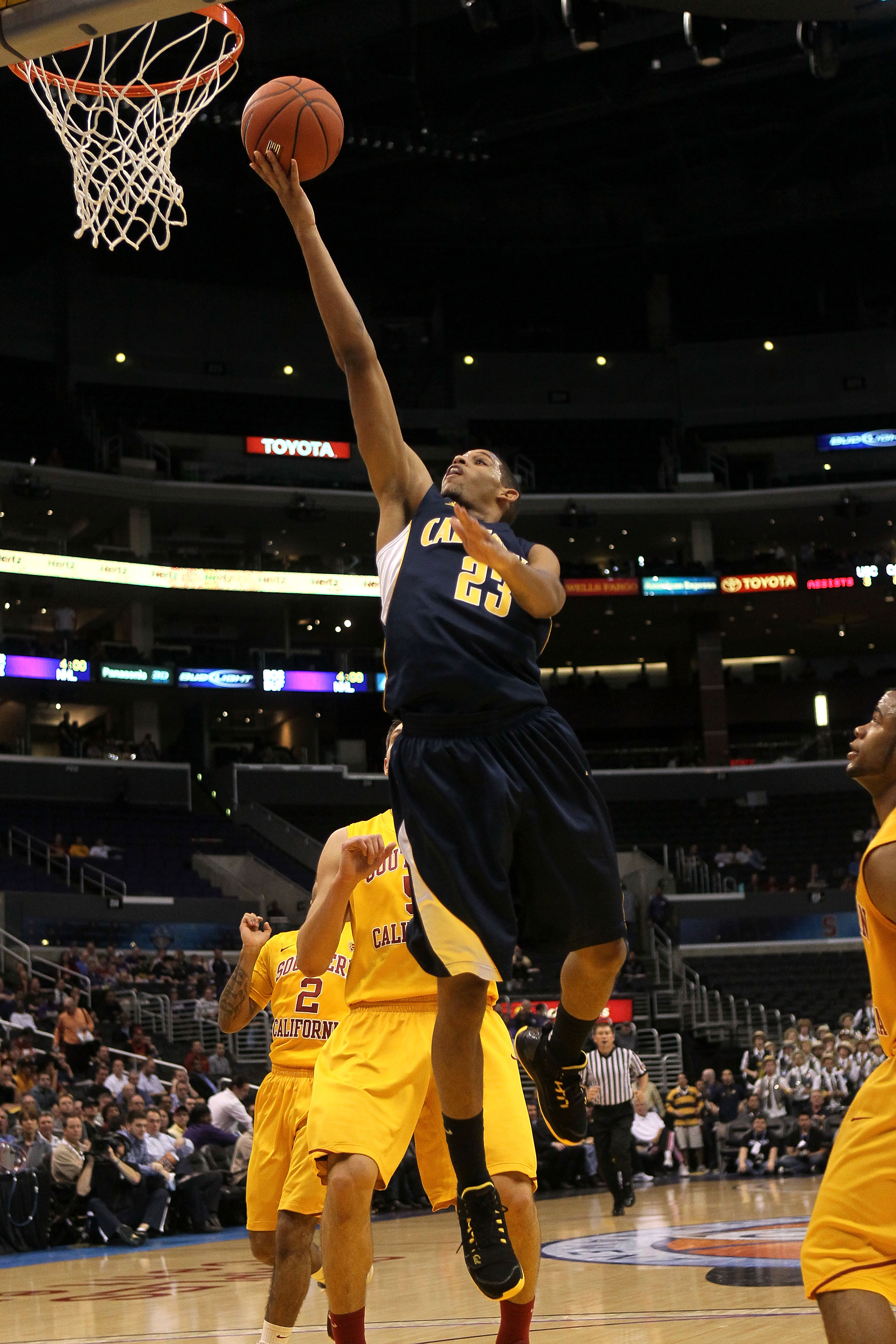 LOS ANGELES, CA - MARCH 10:  Allen Crabbe #23 of the California Golden Bears lays the ball up against the USC Trojans in the quarterfinals of the 2011 Pacific Life Pac-10 Men's Basketball Tournament at Staples Center on March 10, 2011 in Los Angeles, Cali