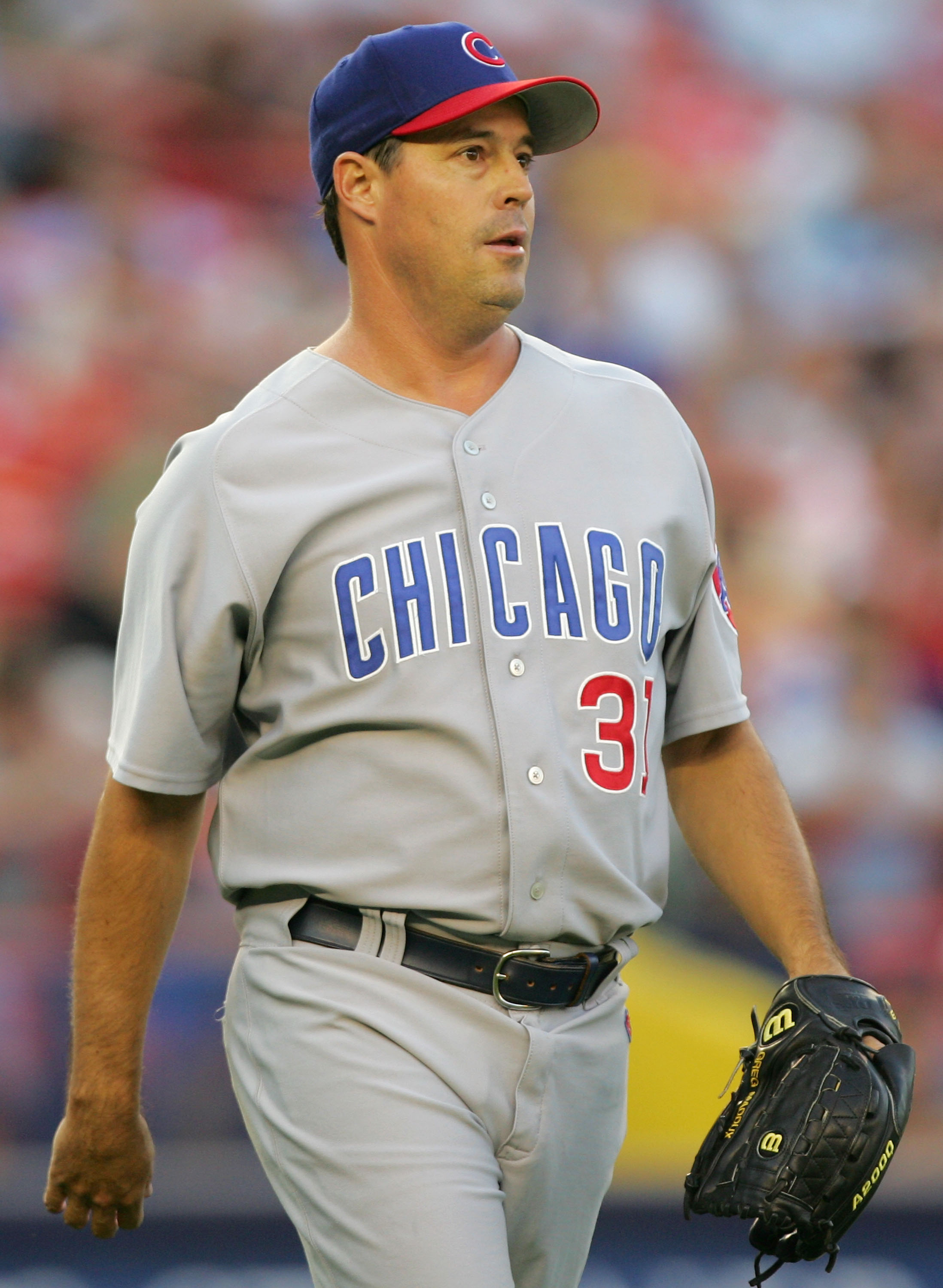 Greg Maddux with the Chicago Cubs
