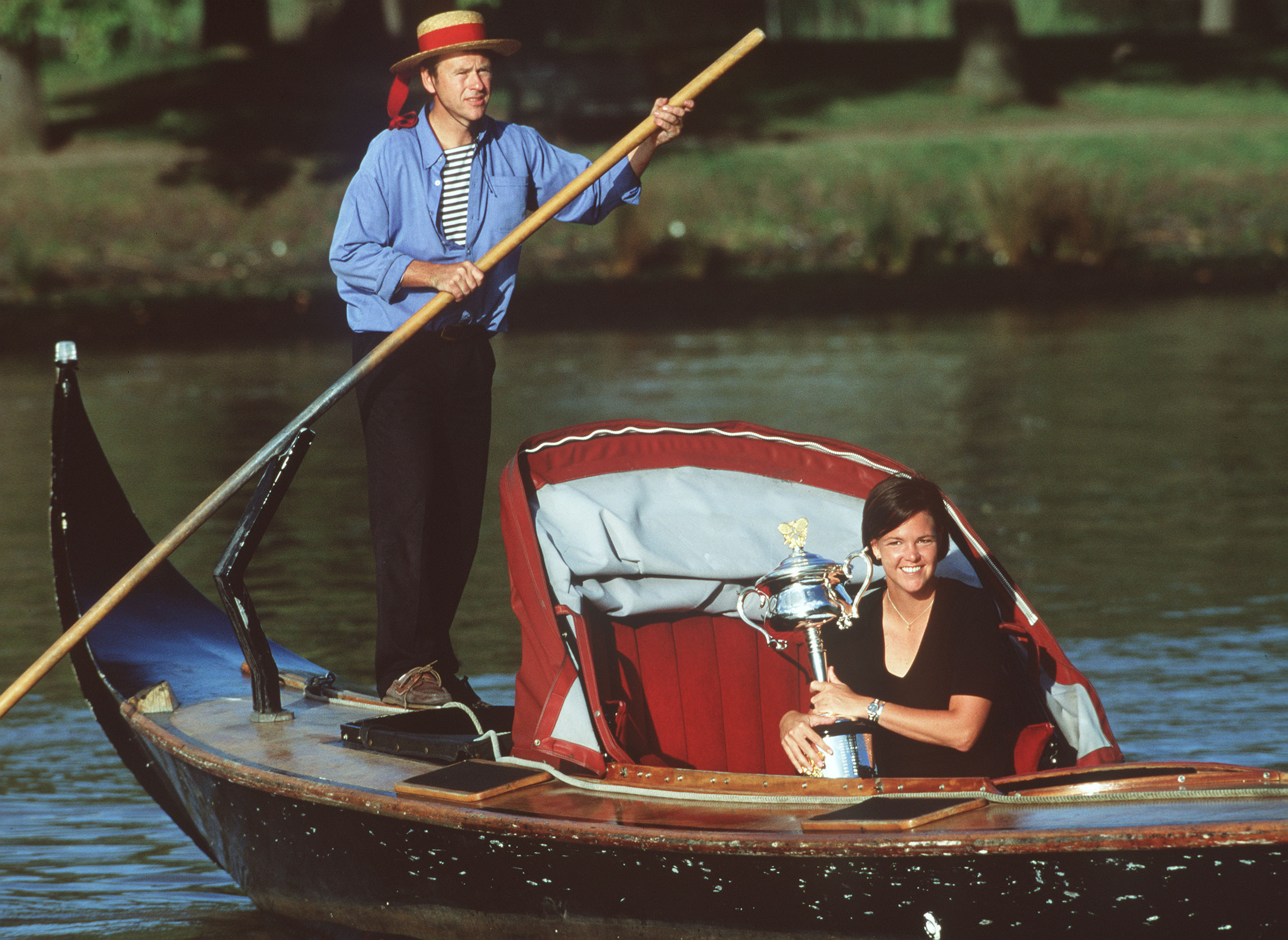 29 Jan 2000:  Lindsay Davenport of the USA with the Australian Open trophy takes a ride in a gondola on the Yarra river after winning  the womens singles final at the Australian Open Tennis Championships, played at Melbourne Park in Melbourne, Australia.D