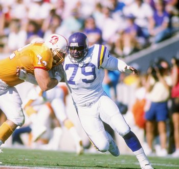 23 Oct 1988:  Defensive end Doug Martin of the Minnesota Vikings in action during a game against the Tampa Bay Buccaneers at Tampa Stadium in Tampa, Florida.  The Vikings won the game 49-20. Mandatory Credit: Allen Steele  /Allsport