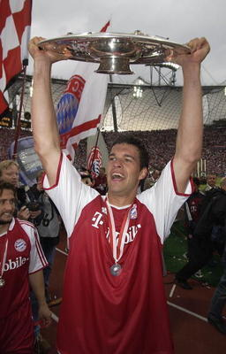 Michael Ballack celebrating a Championship with Bayern München